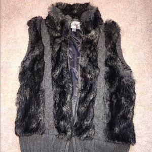 Faux Fur sweater Vest